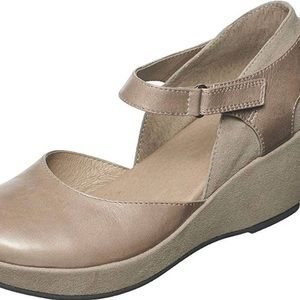 Antelope | Gray Leather Mary Janes | 37